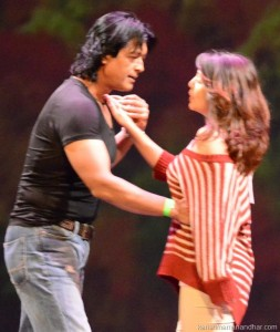 rajesh_karishma_stage_dance_2